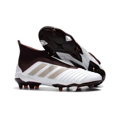 scarpe da calcio adidas marroni