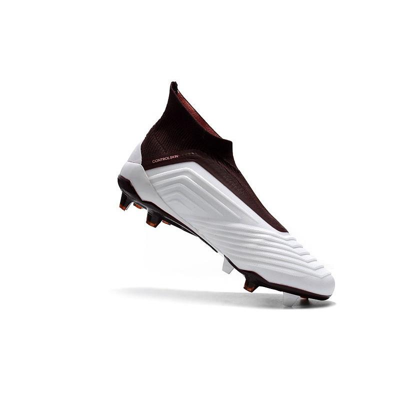 Acquista 2 OFF QUALSIASI scarpe da calcio adidas marroni