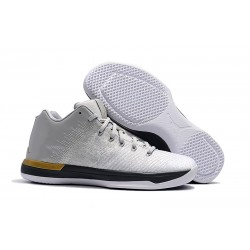 Nike Air Jordan XXXI Bassa Scarpa da Basket - Bianco Oro