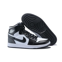 Scarpa Alta Nike Air Jordan I Retro High - Nero Bianco