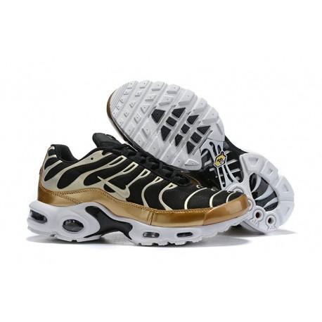 Nike Air Max Plus Sneakers Basse da Uomo - Nero Oro