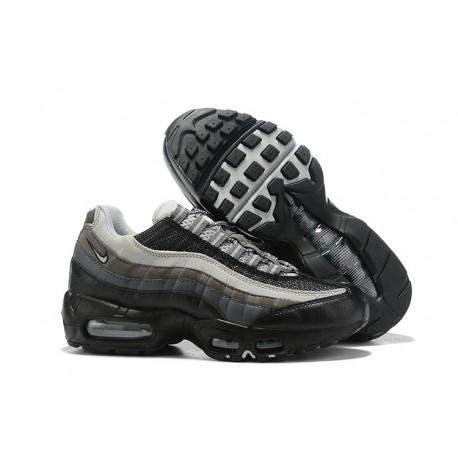 Nike Air Max 95 Sneakers Basse da Uomo Nero Grigio